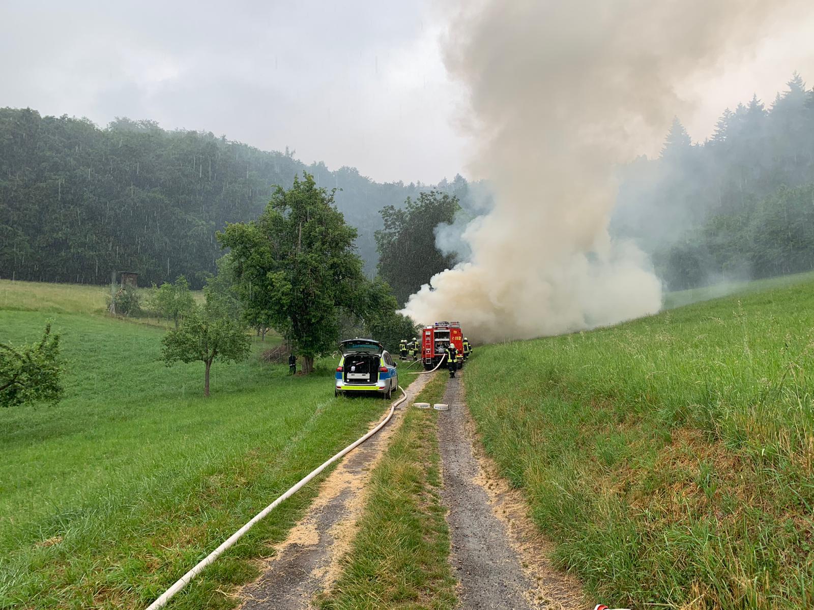 F-Wald 1 – Brennt Brennholzlager