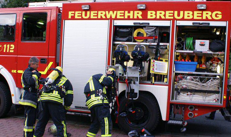 F2Y – mittlerer Brand mit Menschenleben in Gefahr